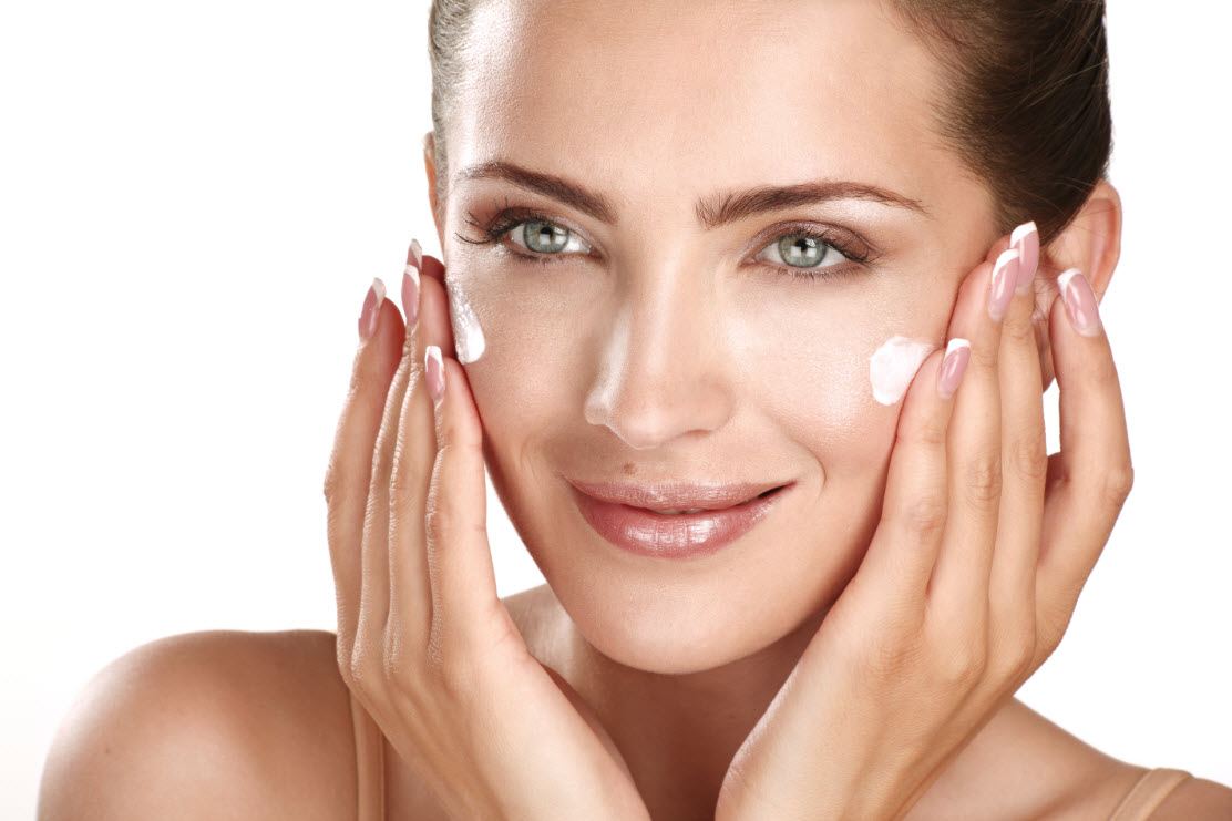 Glowing-Healthy-Skin-Moisturize-Face (1)